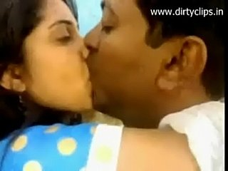 Longkiss scene of desi couple  free