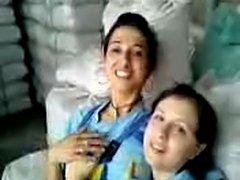 Turkish girls Fabrika kizlari birbirlerini oksuyor - xHamster.com