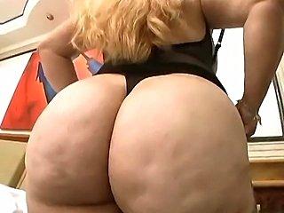 Big Butt Mature Milf has a wild day