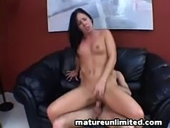 Mature use her ass....