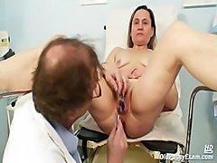 porno-babushka-lizhit