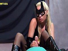 nice handjob by batgirl
