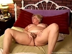 Mature amateur with big tits  free