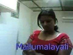 Indian hot mallu girl expose body and gives blowjob in hotel free