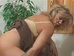 Granny goes dirty - xHamster.com