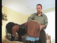 Black chick in latex has anal sex