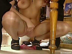 Beautiful maid sucking that french dude at his office !