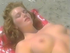 Pinup Club : Veronica Dol (november 1988)(Dutch spoken).